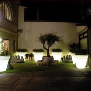 Verlichte terrassen originele plantenbakken - Decoratie jardin terras ...