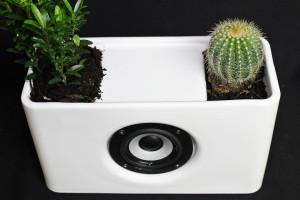 Plantenbak met speaker