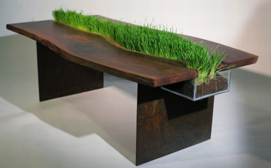 tafel met plantenbak