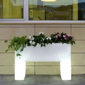 http://www.origineleplantenbakken.nl/wp-content/uploads/2018/06/macetero-light-muro-vondom-300x300.jpg